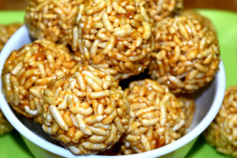 Puffed Rice Laddu-பொறி உருண்டை-Pori Urundai-Murmura Laddu-Lai ke laddu-Muri unda- Easy to make Puffed Rice Balls